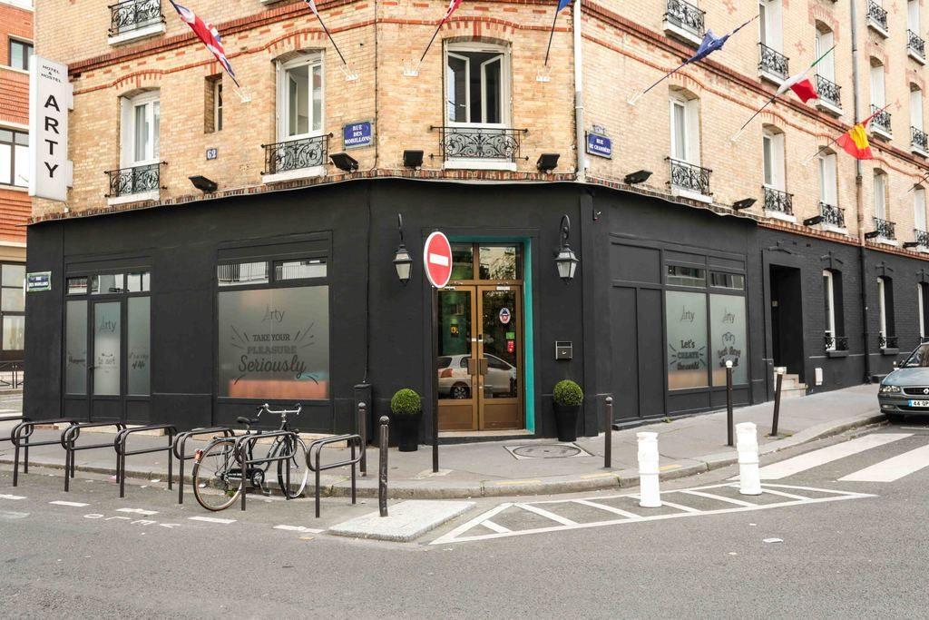 Devanture de l'hôtel Arty Paris