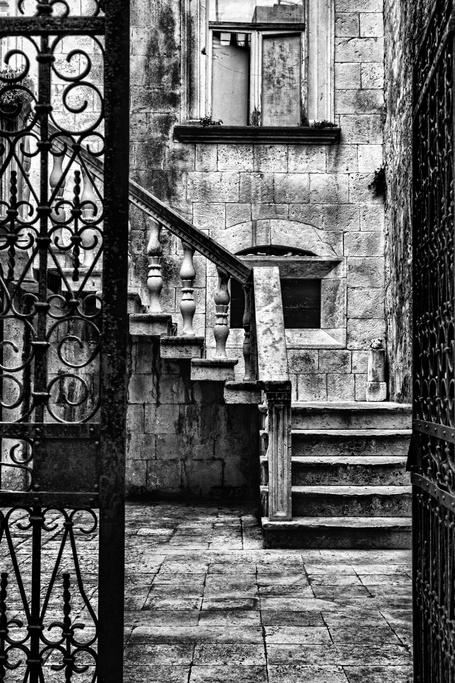 Tableau moderne noir et blanc par Andrew Paranavitana